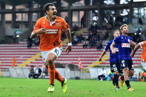 Livourne et Salernitana à la lutte pour un attaquant du Genoa!