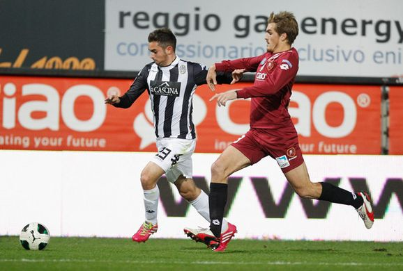 http___www1.pictures.zimbio.com_gi_Andrea+Schiavone+Reggina+Calcio+v+AC+Siena+vP9FsBut6sel