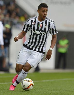 http___www1.pictures.zimbio.com_gi_Juventus+v+Borussia+Dortmund+Preseason+Friendly+dzej8o2aZLdl.jpg