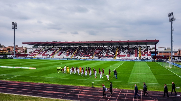 The club behind the wall : A.S. Cittadella's Promotion Dream